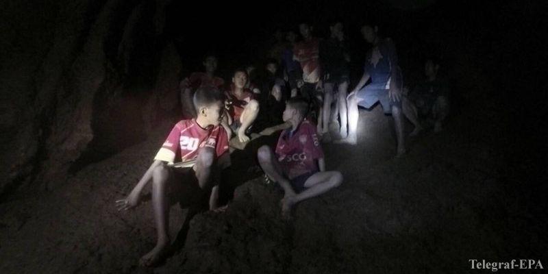 дети в пещере тайланд
